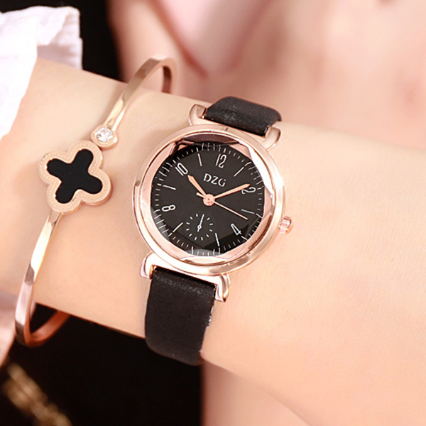 Cute Leather Strappy Analogue Wrist Watch - Black