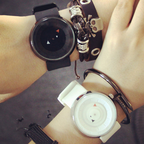 Creative Concept Strappy Pointer Couple Watch
